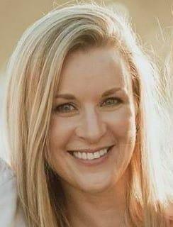Stephanie Fisher Headshot