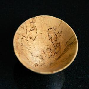Single wooden bowl