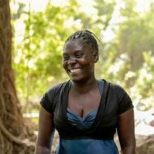 JULIA ANTOINE Craftswoman Deux Mains Port au Prince Haiti
